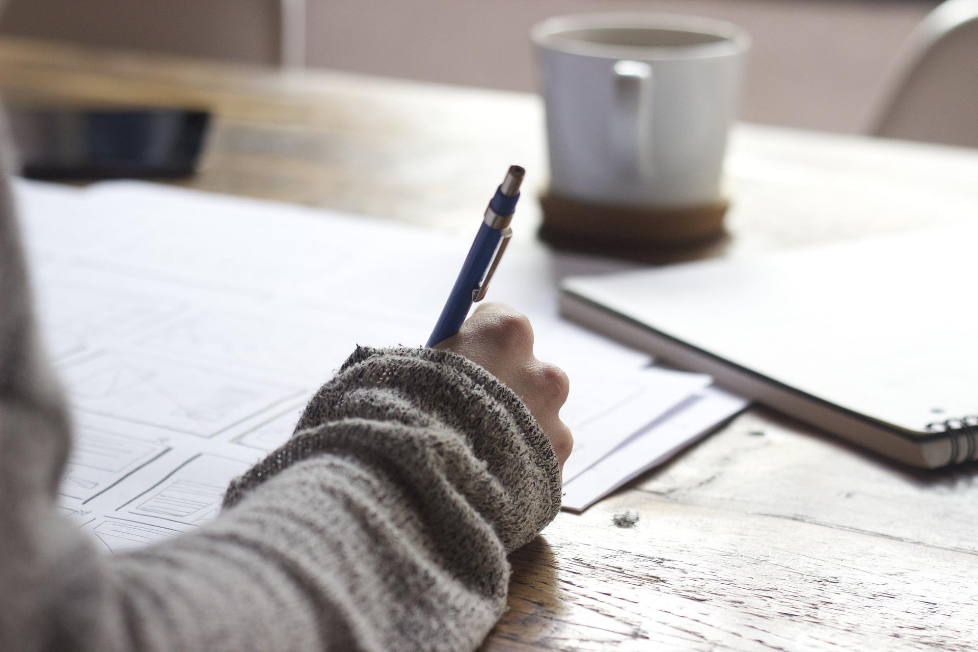 Orientación por parte de un mentor/a a un bloguero/a junior en la escritura de posts científicos en MasScience
