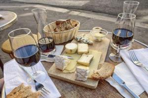 pan queso y vino